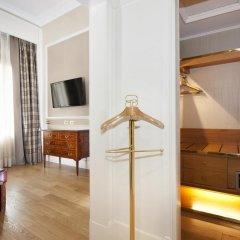 Rome Marriott Grand Hotel Flora сейф в номере