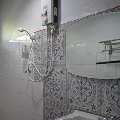Отель Gems Guesthouse Таиланд, Краби - отзывы, цены и фото номеров - забронировать отель Gems Guesthouse онлайн ванная фото 2