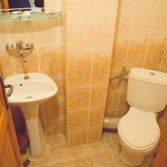 Отель Toni's Guest House Болгария, Сандански - отзывы, цены и фото номеров - забронировать отель Toni's Guest House онлайн ванная фото 2