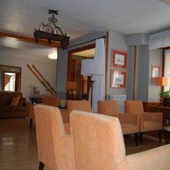 Отель Pension Casa Vicenta интерьер отеля