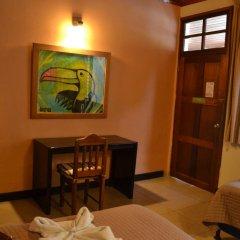 Hotel Jaguar Inn Tikal 3* Бунгало с различными типами кроватей фото 15