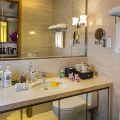 Отель Hangzhou Hua Chen International 4* Представительский номер с различными типами кроватей