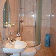 Гостиница Лотус 3* Номер с общей ванной комнатой с различными типами кроватей (общая ванная комната) фото 3