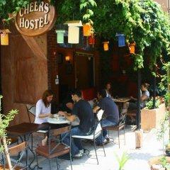 Cheers Hostel Турция, Стамбул - 1 отзыв об отеле, цены и фото номеров - забронировать отель Cheers Hostel онлайн питание фото 2