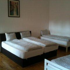 Апартаменты Caterina Private Rooms and Apartments Стандартный номер с различными типами кроватей (общая ванная комната) фото 22