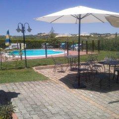 Отель Al Casale Di Morro Морровалле бассейн