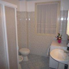 Отель Le Mimose - Holiday Home Италия, Поццалло - отзывы, цены и фото номеров - забронировать отель Le Mimose - Holiday Home онлайн ванная