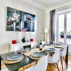 Отель Luxury and Spacious Appartment in Saint Michel в номере фото 2