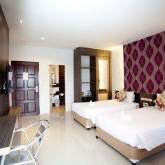 Chill Patong Hotel 3* Улучшенный номер с двуспальной кроватью фото 4