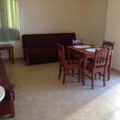 Отель Sea 'n Lake View Hotel Apartments Кипр, Ларнака - 1 отзыв об отеле, цены и фото номеров - забронировать отель Sea 'n Lake View Hotel Apartments онлайн удобства в номере фото 2