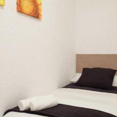 Отель Enzo B&B Montjuic 2* Номер с общей ванной комнатой с различными типами кроватей (общая ванная комната) фото 2