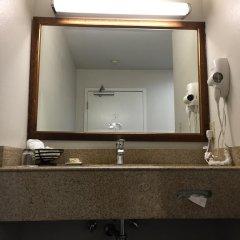 Отель Buena Vista Motor Inn сейф в номере