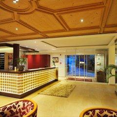 Отель Landsitz Stroblhof Тироло интерьер отеля