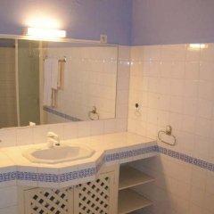 Отель Residence Saint-Jacques Bord de Mer Республика Конго, Пойнт-Нуар - отзывы, цены и фото номеров - забронировать отель Residence Saint-Jacques Bord de Mer онлайн ванная