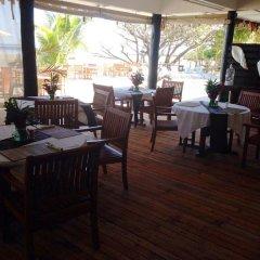 Отель Funky Fish Beach & Surf Resort Фиджи, Остров Малоло - отзывы, цены и фото номеров - забронировать отель Funky Fish Beach & Surf Resort онлайн питание