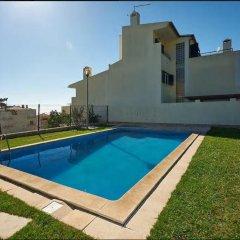 Отель Ericeira Modern House бассейн