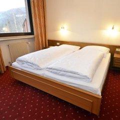 Отель Pension Garni Transit Випитено комната для гостей фото 5