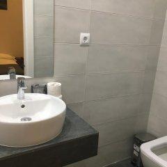 Отель Hostal La Plata Улучшенный номер с различными типами кроватей