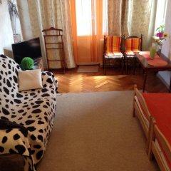 Ester President Hostel Стандартный номер с 2 отдельными кроватями (общая ванная комната) фото 9