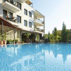 Отель Villa Maria Revas Болгария, Солнечный берег - отзывы, цены и фото номеров - забронировать отель Villa Maria Revas онлайн бассейн фото 2