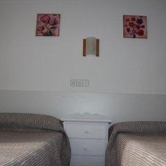 Отель Hostal Las Nieves Стандартный номер с 2 отдельными кроватями (общая ванная комната) фото 3