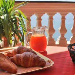 Отель B&B Il Pavone Конка деи Марини гостиничный бар
