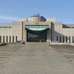 Отель Hause Itaewon - Hostel Южная Корея, Сеул - отзывы, цены и фото номеров - забронировать отель Hause Itaewon - Hostel онлайн приотельная территория фото 2
