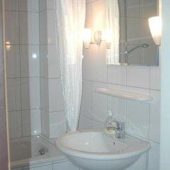 Отель Köln Appartement ванная фото 2