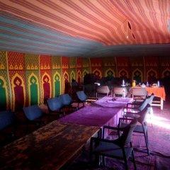 Отель Bivouac Erg Znaigui Марокко, Мерзуга - отзывы, цены и фото номеров - забронировать отель Bivouac Erg Znaigui онлайн гостиничный бар
