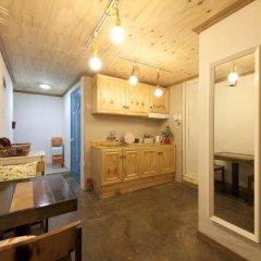 Lazy Fox Hostel Кровать в мужском общем номере с двухъярусной кроватью фото 6