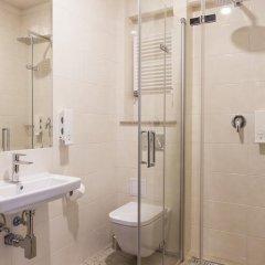 Отель Mandala Hostel & Apartments Польша, Познань - отзывы, цены и фото номеров - забронировать отель Mandala Hostel & Apartments онлайн ванная фото 2