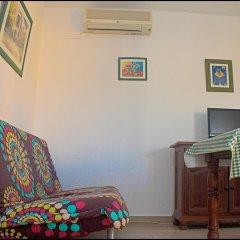 Отель Chalet Bungalow La Roa Испания, Кониль-де-ла-Фронтера - отзывы, цены и фото номеров - забронировать отель Chalet Bungalow La Roa онлайн комната для гостей фото 4