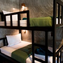 Blanco Hostel at Lanta Кровать в общем номере с двухъярусной кроватью