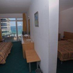 Отель Slavyanski 3* Улучшенный семейный номер с двуспальной кроватью фото 7