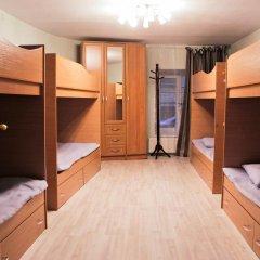 Vse svoi na Bol'shoy Konyushennoy Hostel Кровать в общем номере с двухъярусной кроватью фото 4