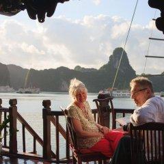 Отель Halong Royal Palace Cruise 3* Бунгало Делюкс с различными типами кроватей фото 3