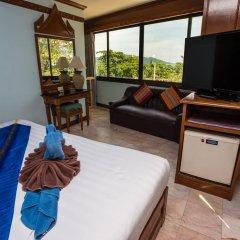 Отель Patong Beach Bed and Breakfast 2* Номер Делюкс с разными типами кроватей фото 5