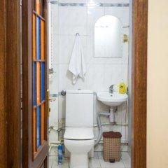 Отель One Way Hostel & Tours Армения, Ереван - отзывы, цены и фото номеров - забронировать отель One Way Hostel & Tours онлайн ванная фото 2