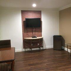 Отель American Inn & Suites LAX Airport 2* Стандартный номер с различными типами кроватей фото 2