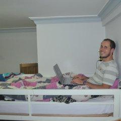 Отель Tiny Tigers Кровать в общем номере фото 3