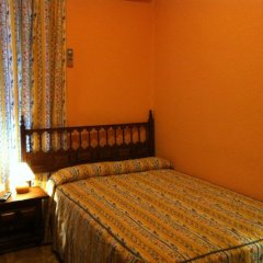 Отель Hostal Paracuellos Стандартный номер с различными типами кроватей (общая ванная комната) фото 3