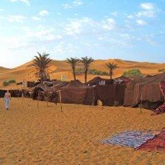 Отель Bivouac Jawhara Марокко, Мерзуга - отзывы, цены и фото номеров - забронировать отель Bivouac Jawhara онлайн пляж