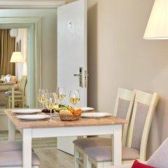White Rock Castle Suite Hotel 4* Семейный люкс 2 отдельными кровати
