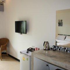 Отель Rawai Beach Studios в номере