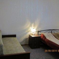 Отель Azov Guest House Бердянск комната для гостей фото 2