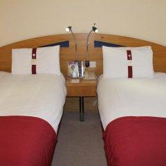 Отель Holiday Inn Express London Stansted 3* Стандартный номер с различными типами кроватей