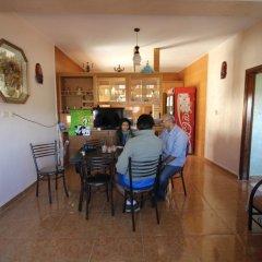 Отель Madaba Private Home Experience – Fadi's Home Stay Иордания, Мадаба - отзывы, цены и фото номеров - забронировать отель Madaba Private Home Experience – Fadi's Home Stay онлайн питание фото 2