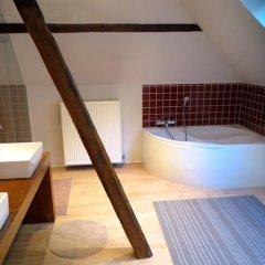 Отель B&B Den Witten Leeuw 3* Стандартный семейный номер с двуспальной кроватью фото 7