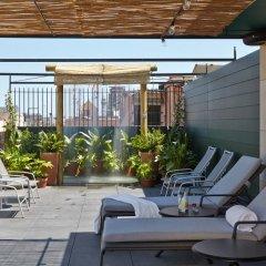 Отель Casa Camper Испания, Барселона - отзывы, цены и фото номеров - забронировать отель Casa Camper онлайн бассейн фото 2
