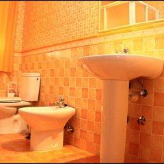 Отель Chalet Pinares de Roche Испания, Кониль-де-ла-Фронтера - отзывы, цены и фото номеров - забронировать отель Chalet Pinares de Roche онлайн ванная фото 2